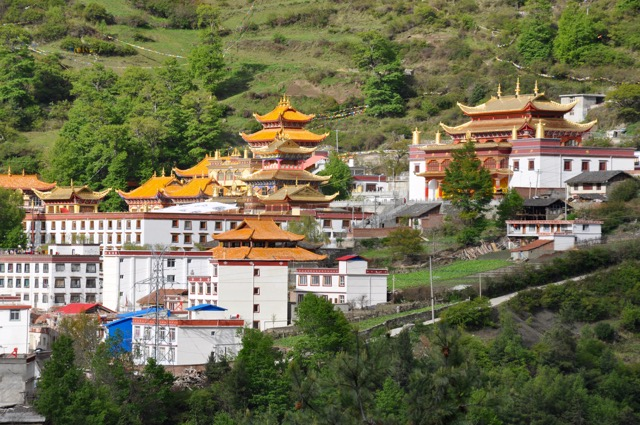 Dordrak-monastery-kangding