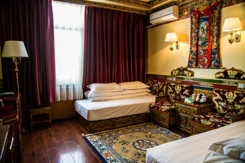 Gesar Hotel Room