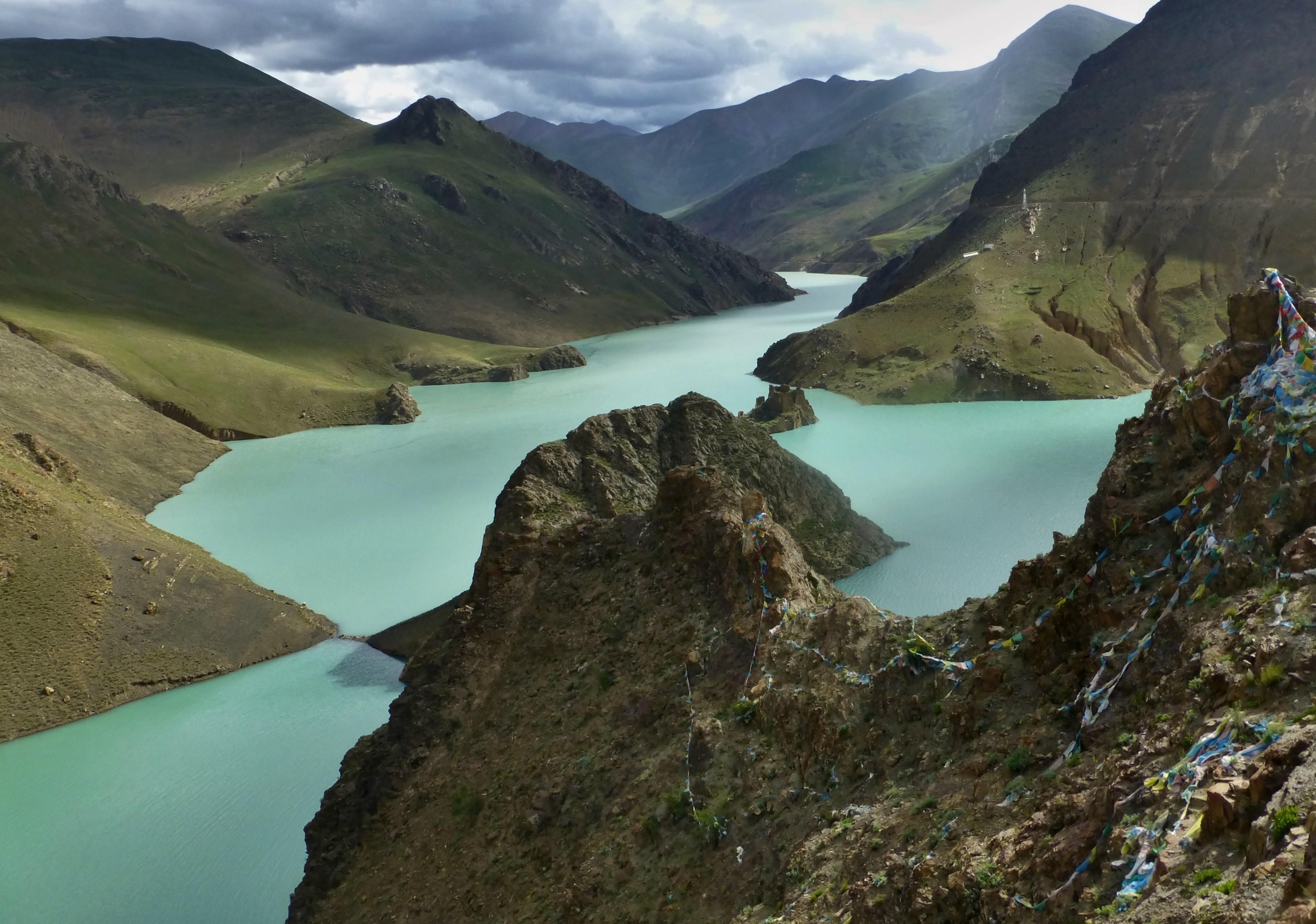 Yamdrok Yumtso (Yamdrok Lake) | Tibetpedia