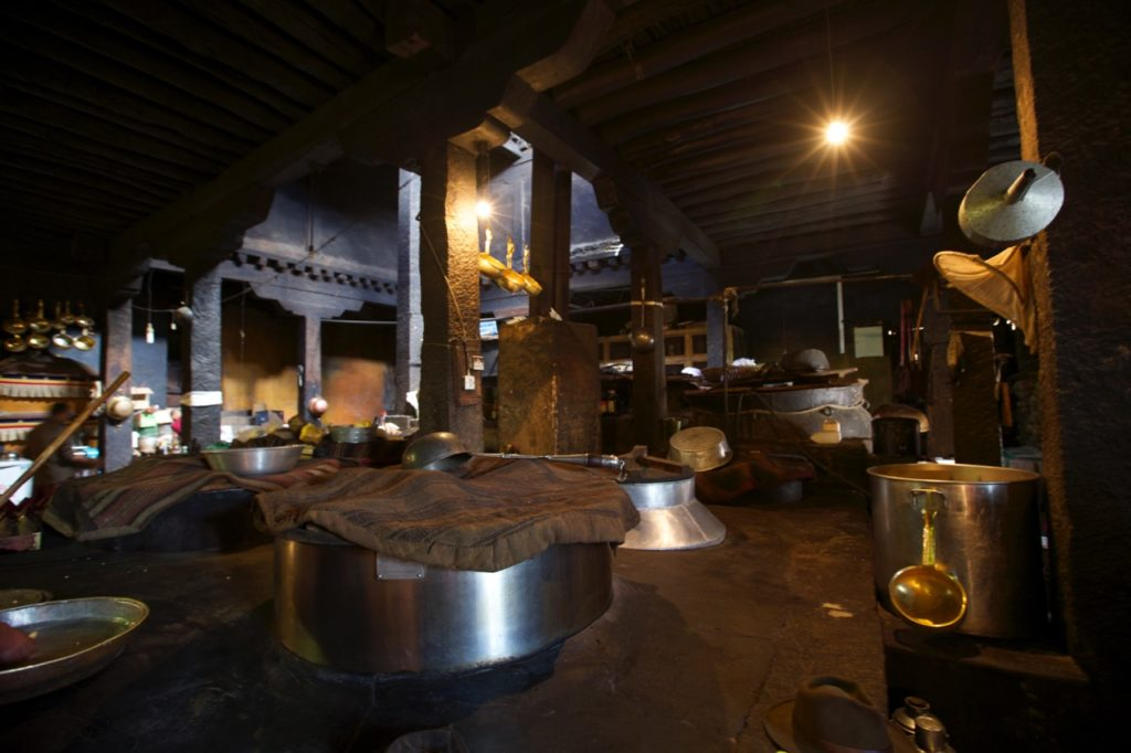 drepung_monastery_kitchen
