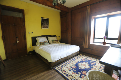 Room with single bed at Desti Youth Park Hostel
